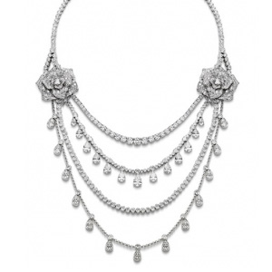 Collier Or Blanc et Diamants Taille Poire de Piaget
