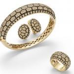 Collection Tortue, Or jaune, Diamants bruns et émail.
