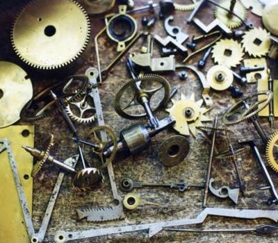 Remontage d'une pendule, atelier à découvrir!