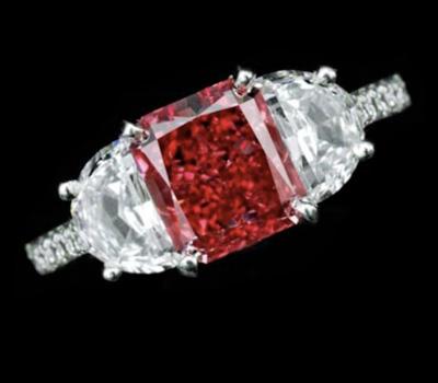 Diamant Fancy Red monté sur Bague.