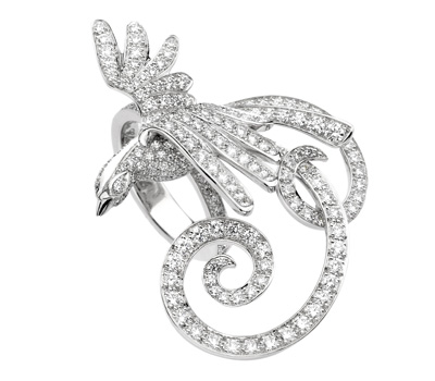 http://www.madeinjoaillerie.fr/wp-content/uploads/2009/07/bague-oiseaux-de-paradis-van-cleef-arpels-diamants.jpg