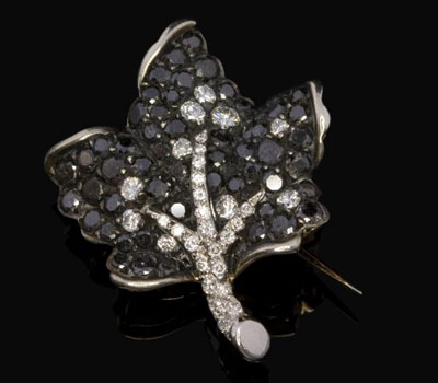 broche feuille diamants noirs 688 expertissim made in joaillerie. Black Bedroom Furniture Sets. Home Design Ideas