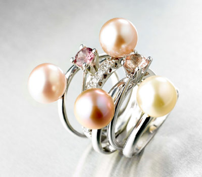 http://www.madeinjoaillerie.fr/wp-content/uploads/2009/11/bagues-meli-marlo-joailliers-venise.jpg