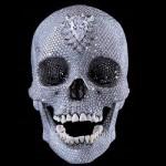 Crâne aux 8601 diamants de Damien Hirst.