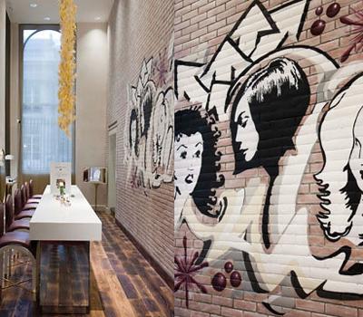 Tags et Graffitis - Boutique Mauboussin Place Vendôme Paris