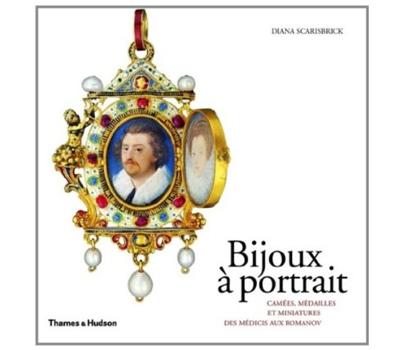 Livre Bijoux à Portrait par Diana Scarisbrick