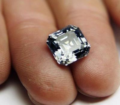 Courtier en diamants - Pierre précieuse