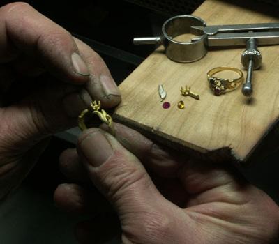 Fabrication de bijoux en or et en argent