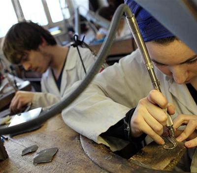 Formation en école de joaillerie et bijouterie