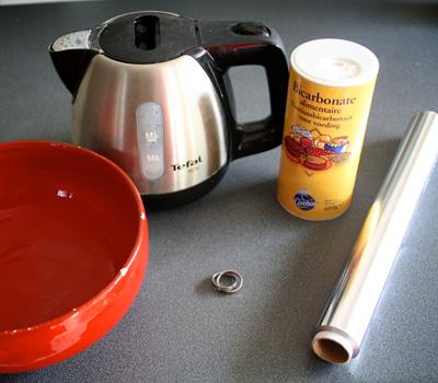 Nettoyage d'une bague en argent au bicarbonate