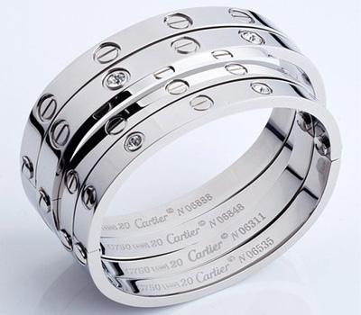 Bracelet en or blanc Love de Cartier