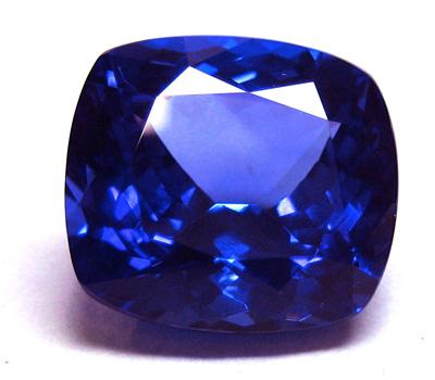 Pierre fine Tanzanite - pierre bleue