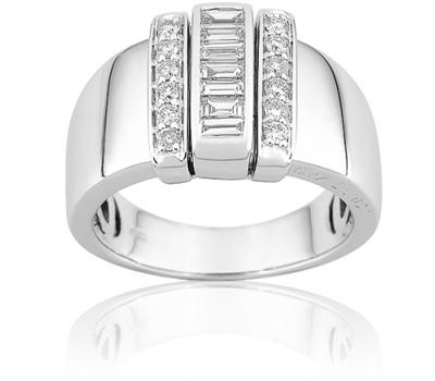 Bague chevaliere femme en or blanc et diamants.