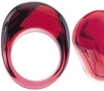 Bague en cristal rouge de Baccarat
