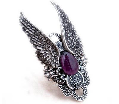 Bague de style gothique en argent