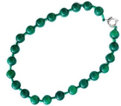Collier perles de jade verte