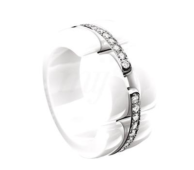 bague chanel or blanc ceramique et diamant bijoux la mode. Black Bedroom Furniture Sets. Home Design Ideas