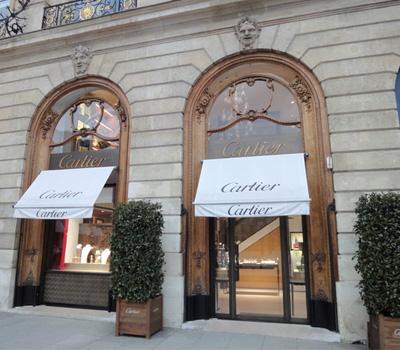 Cartier place Vendôme et vitrine de la boutique