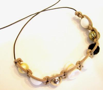 Fabrication d'un bracelet Shamballa fait à la main