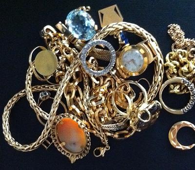 Rachat de bijoux en or avec bagues et chaines