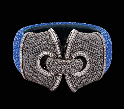 Manchette Galuchat Bleu - Burma Joaillier