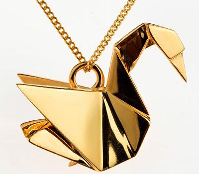 Bijou pendentif cygne doré en origami