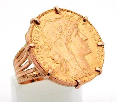 Bague Louis d'or avec une pièce en or