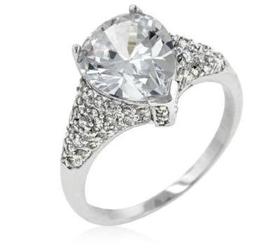 Bague de Charlène Wittstock avec des diamants