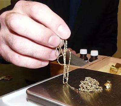 Vente d'or avec une taxe