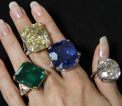 Bagues en pierres précieuses : diamant, rubis, saphir et émeraude