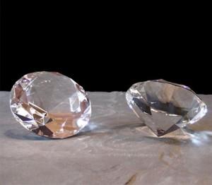 Faux diamant ou oxyde de zirconium