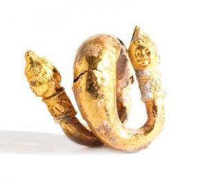 Oxydation de l'or sur une boucle d'oreilles