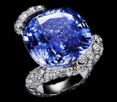 Bague saphir coussin et diamants de Piaget