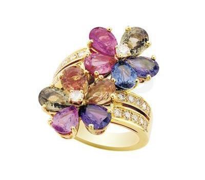 Bague saphirs de couleur en or jaune et diamants
