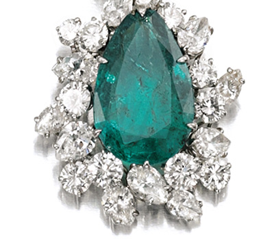 Boucles d'oreilles émeraude et diamants de Bulgari