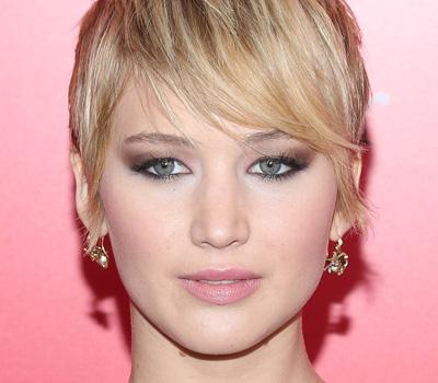 Jennifer Lawrence boucles d'oreilles Dior
