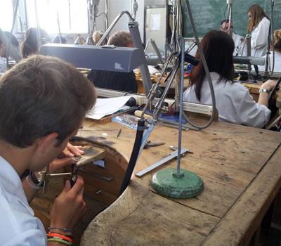 Formation pour devenir artisan  joaillier