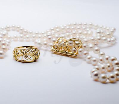 Bague Prelude Collection 2013 et Sautoir Sur-mesure  Or Jaune, diamants, Perles Fines