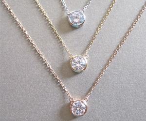 Colliers diamants de différentes longueurs